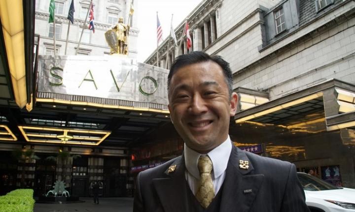 情熱大陸:「NO」と言わない! ロンドンの5つ星ホテルで活躍する日本人コンシェルジュ・町田徹に密着_-_毎日新聞