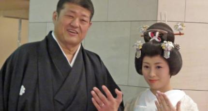 水戸泉の嫁の小野友葵子(ゆきこ)の年齢や経歴は?実家や評判について!